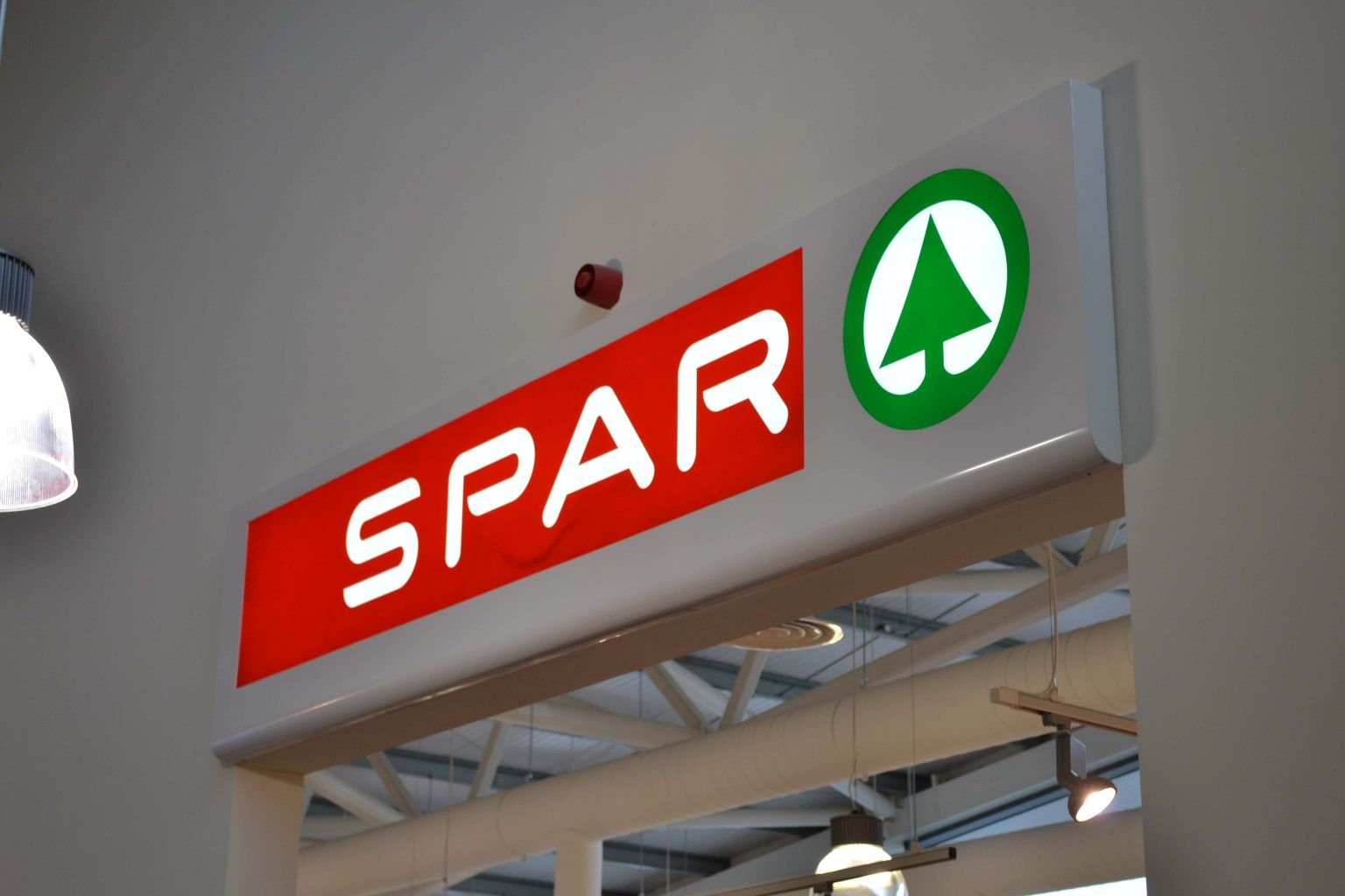 Spar Fascia Signs