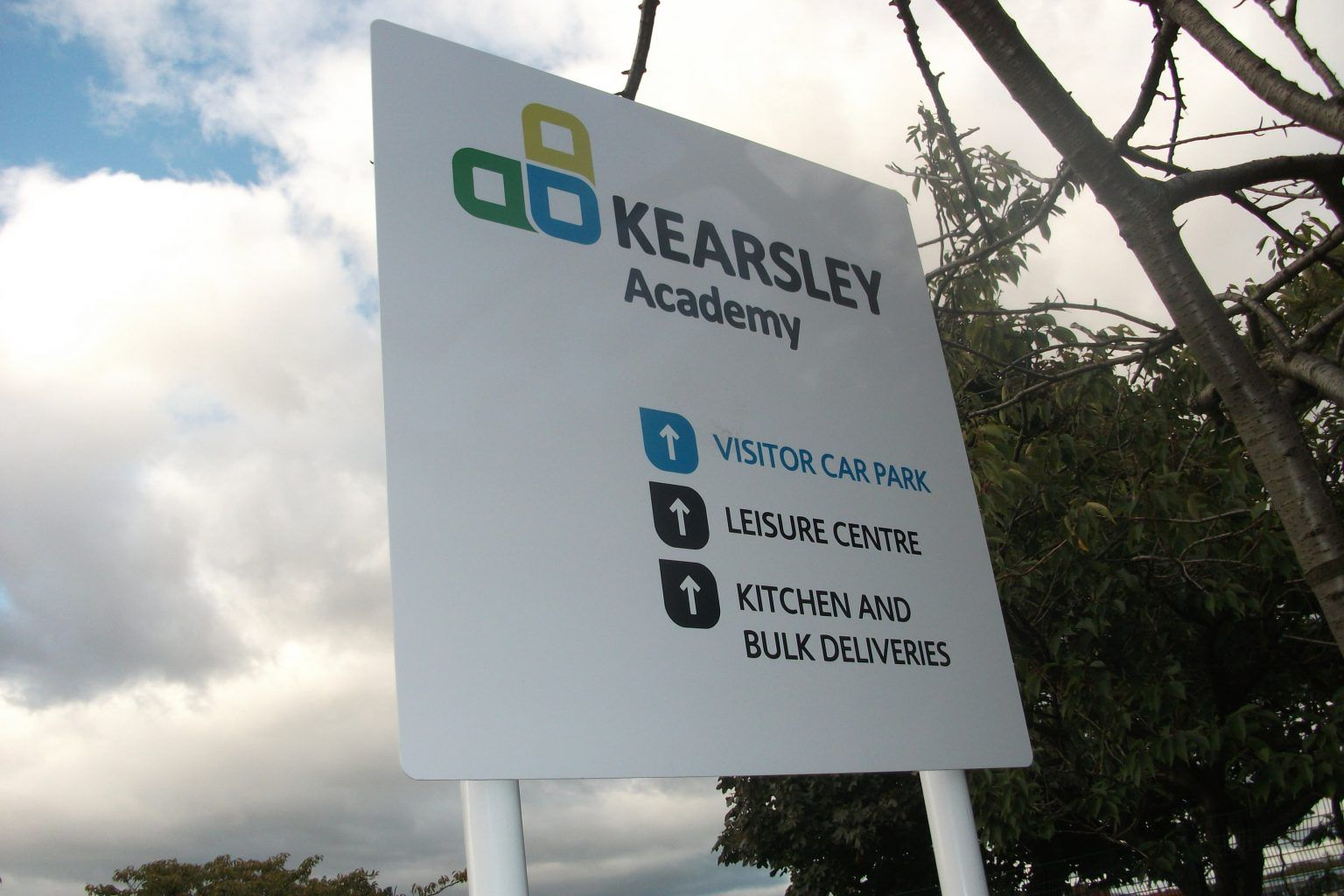 Keasley academy school post sign