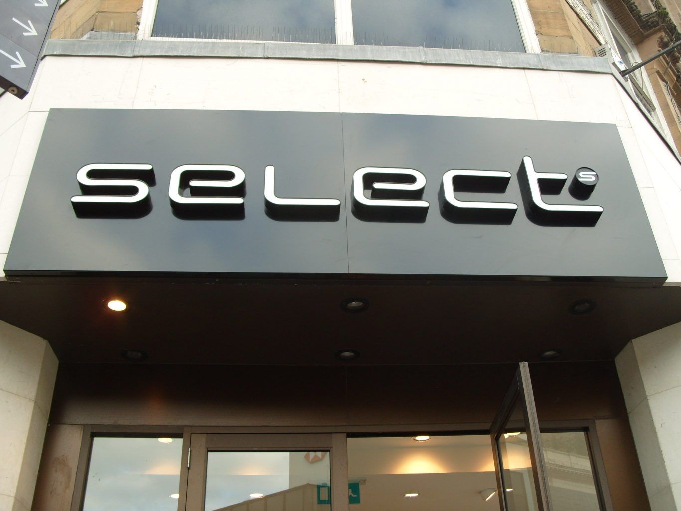 Select Fascia With Built Up Letters
