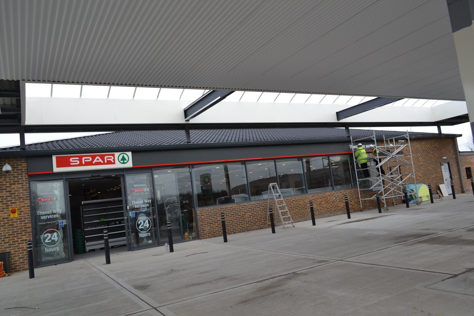 Spar Internally Illuminated Fascia (4)