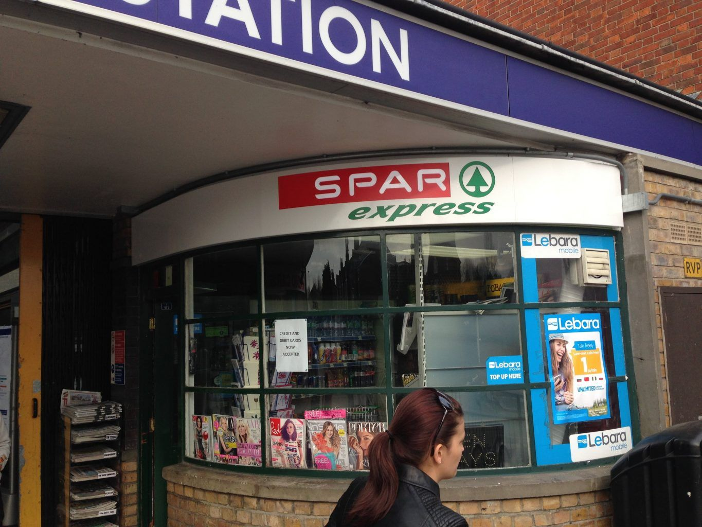 Spar curved Internally Illuminated fascia Tray Sign