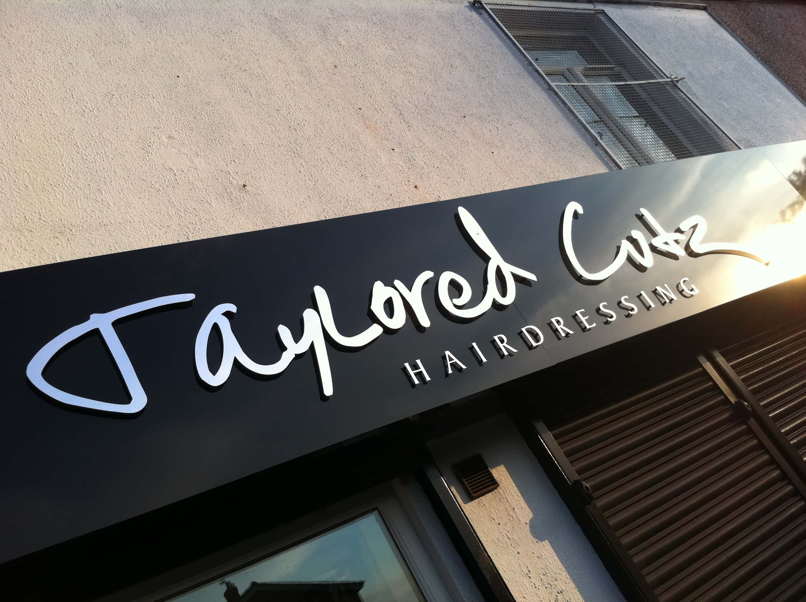 flat-cut-letters-hairdressing-sign